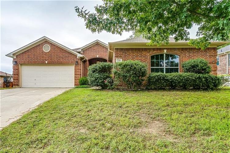 2209 Creek Side Drive, Weatherford, TX 76087