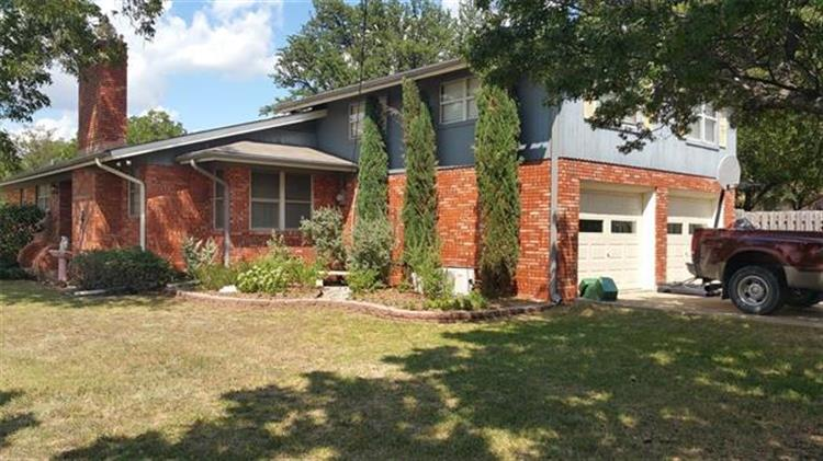 402 N Maple Street, Muenster, TX 76252 - Image 1