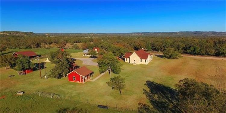 916 Middle Creek Road, Fredericksburg, TX 78624 - Image 1