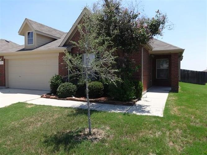 14136 Rodeo Daze Drive, Haslet, TX 76052