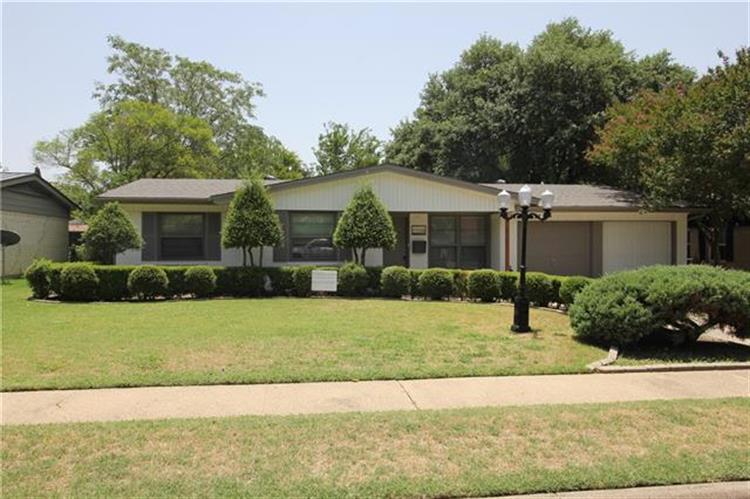 2328 Globe Avenue, Dallas, TX 75228