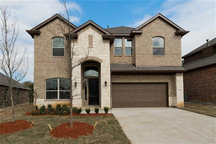 4004 Knollbrook Lane, Fort Worth, TX 76137