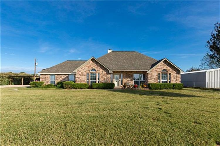 844 County Road 3696, Springtown, TX 76082