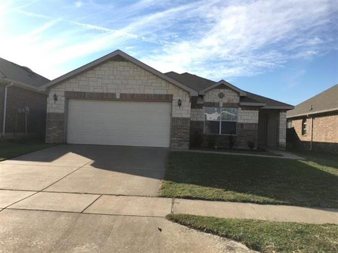 8040 Summer Stream Drive, Fort Worth, TX 76134