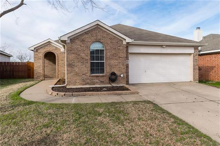 13413 Ponderosa Ranch Road, Fort Worth, TX 76262 - Image 1