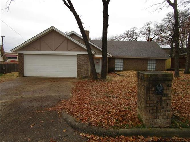 5700 Old Place Road, Arlington, TX 76016 - Image 1