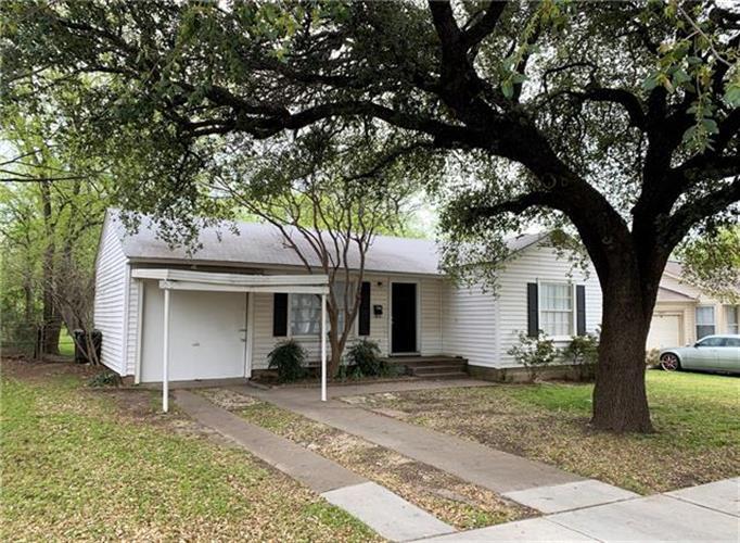 5017 Fairfax Street , Fort Worth TX 76116 For Rent, MLS # 14056947,  Weichert com