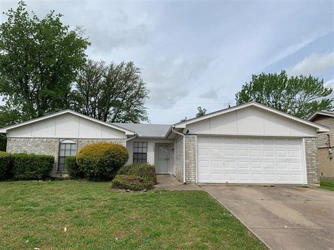 1237 N Knowles Drive, Saginaw, TX 76179 - Image 1