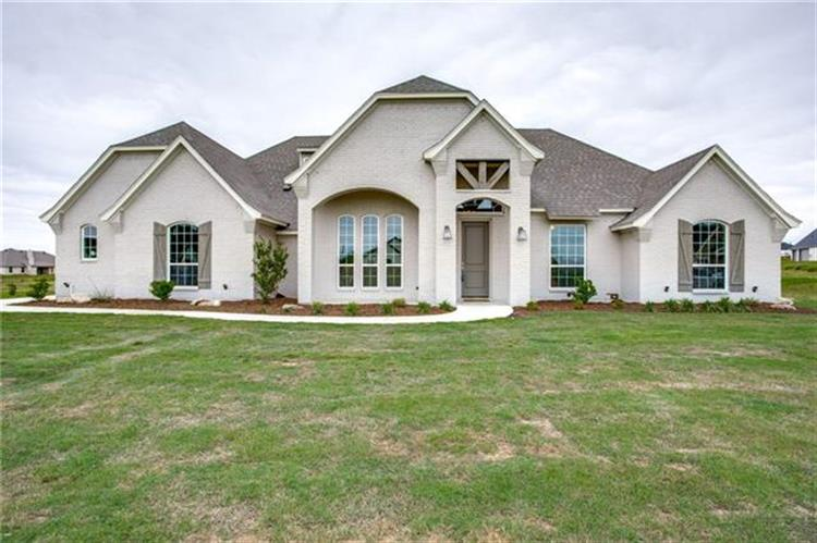 208 Columbia Court, Weatherford, TX 76082 - Image 1
