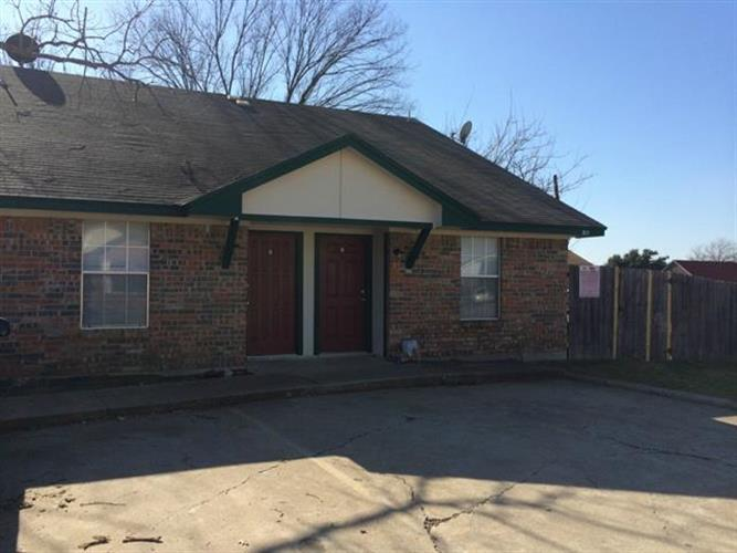 311 Kings Way Drive, Mansfield, TX 76063 - Image 1