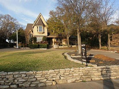 813 Shady Lake Drive, Bedford, TX
