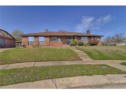 1125 Oaklawn Court , Bedford, TX