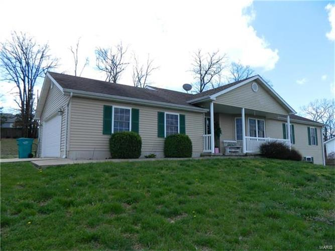 822 Hillcrest Drive, Owensville, MO 65066