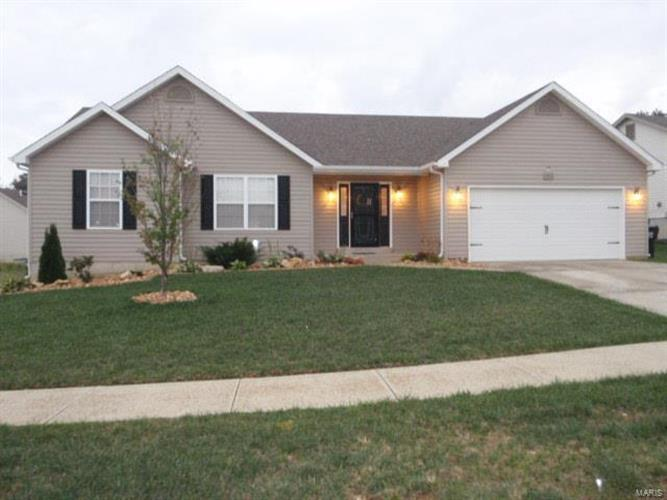 742 Lost Canyon Boulevard, Wentzville, MO 63385