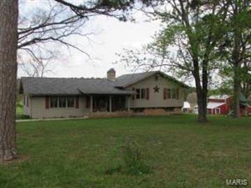 5284 Camp Road, Houston, MO 65483