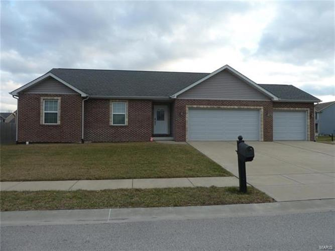 402 Turquoise Court, Mascoutah, IL 62258