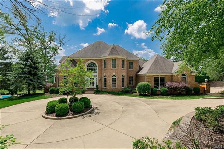 13710 Clayton Road, Town and Country, MO 63017