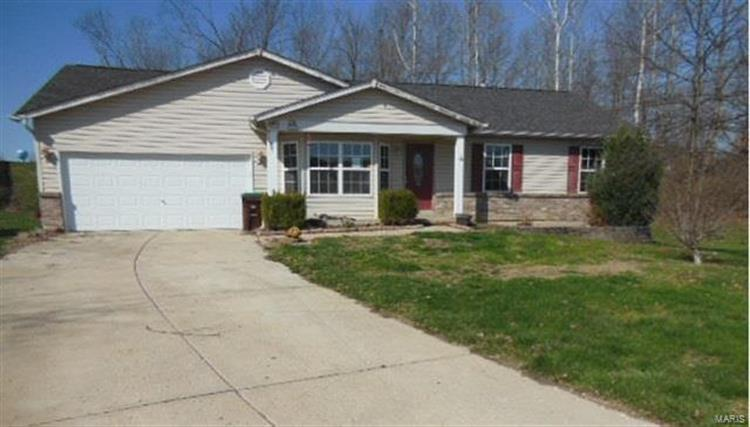 481 Peregrine Court, Winfield, MO 63389