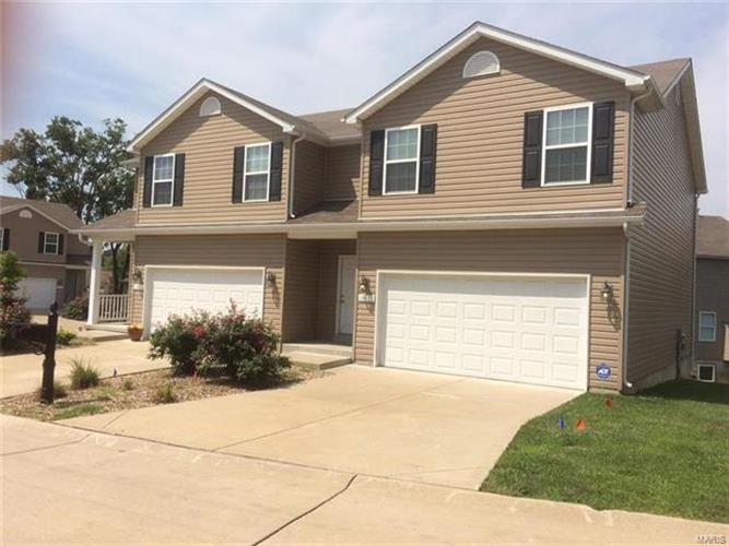 14111 Candlewyck Place Court, Florissant, MO 63034