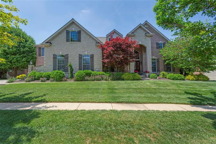 16842 Eagle Bluff Court, Chesterfield, MO 63005