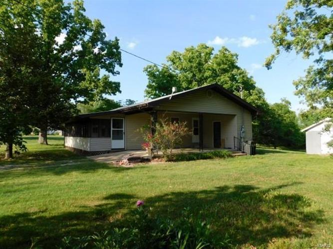 265 High School Drive, Gainesville, MO 65655
