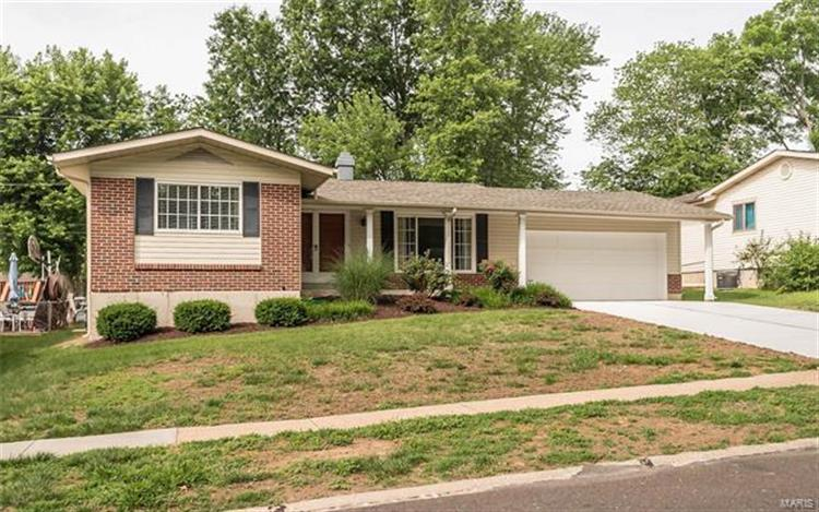 484 Burncoate, Saint Louis, MO 63129