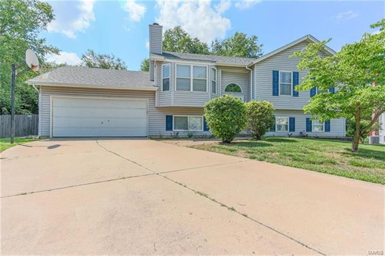 5 Fox Den Court, Saint Charles, MO 63304