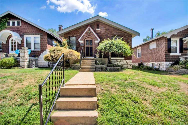 5632 Holly Hills Avenue, Saint Louis, MO 63109