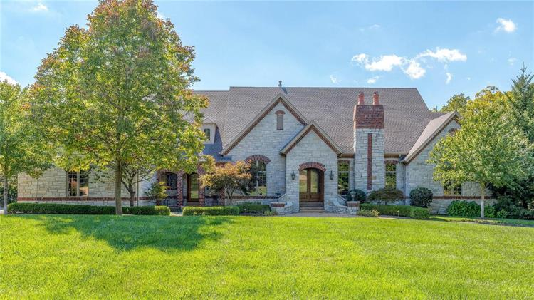 12848 Horton Lane, Town and Country, MO 63131