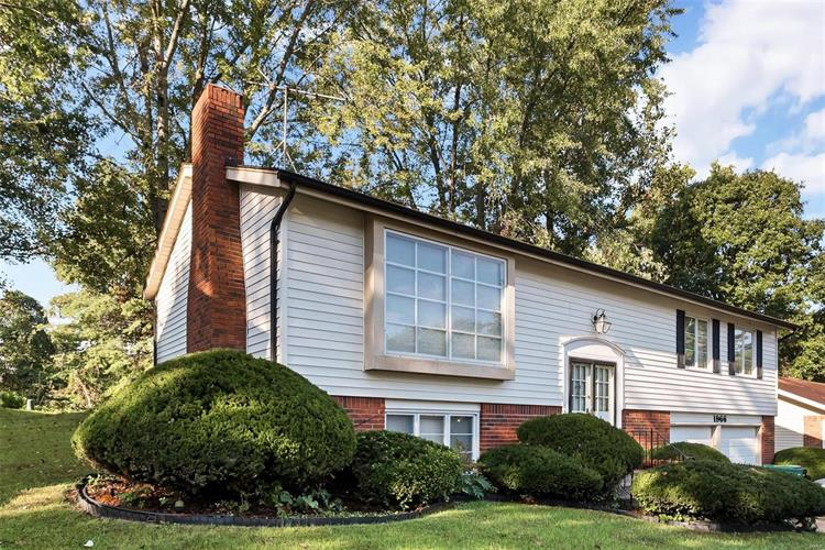 1966 Cathedral Hill Drive, Saint Louis, MO 63138 - Image 1