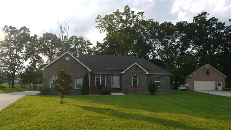 211 OAK HOLLOW ROAD, Manchester, TN 37355