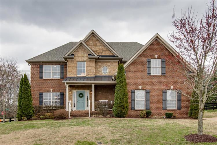 1001 Avery Trace Circle, Hendersonville, TN 37075