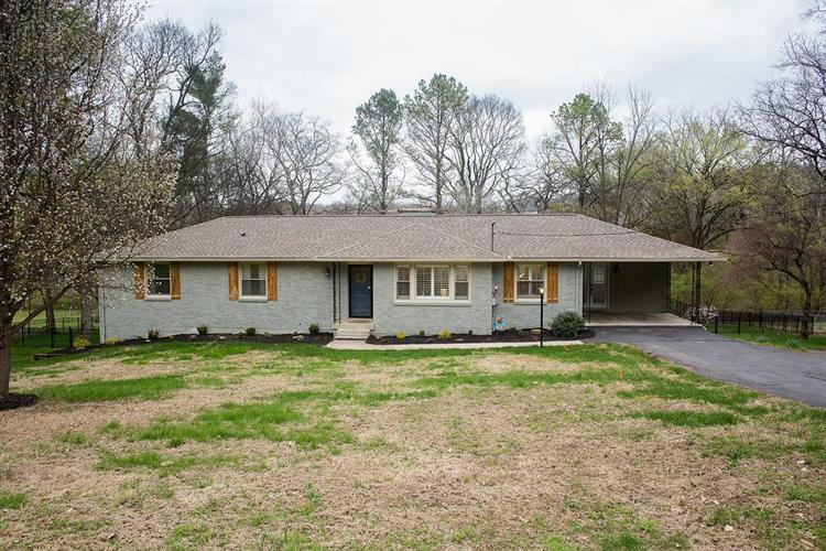 6700 Currywood Dr., Nashville, TN 37205