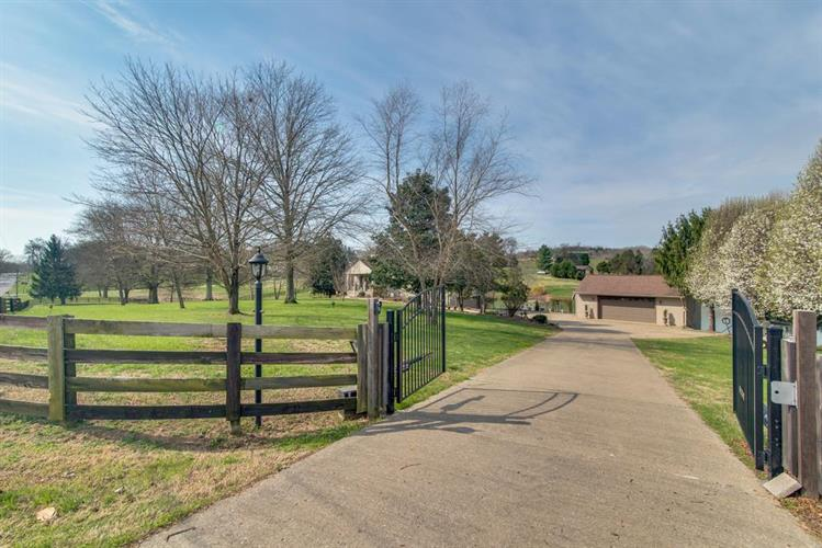 1016 N Sugartree Ln, Gallatin, TN 37066