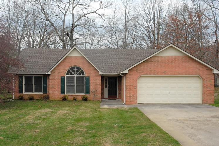 114 Windbriar Dr, Tullahoma, TN 37388