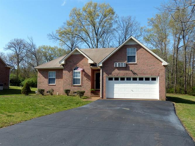 146 Candle Wood Dr, Hendersonville, TN 37075