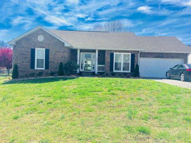 1818 Hunt Ln, Pleasant View, TN 37146