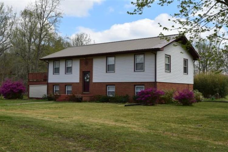 2593 Old Nashville Highway, McEwen, TN 37101