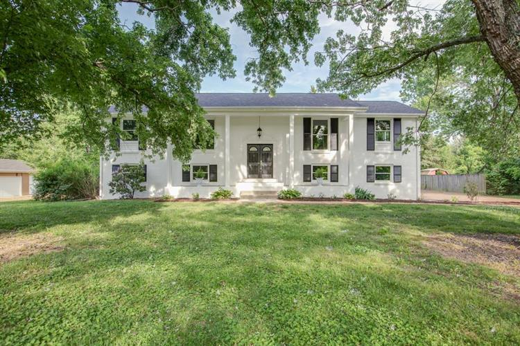 1108 General MacArthur Dr., Brentwood, TN 37027