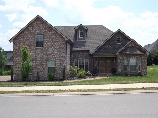 4105 Stony Point Dr, La Vergne, TN 37086