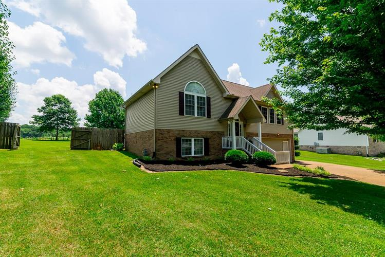 2039 Smith Circle, Greenbrier, TN 37073