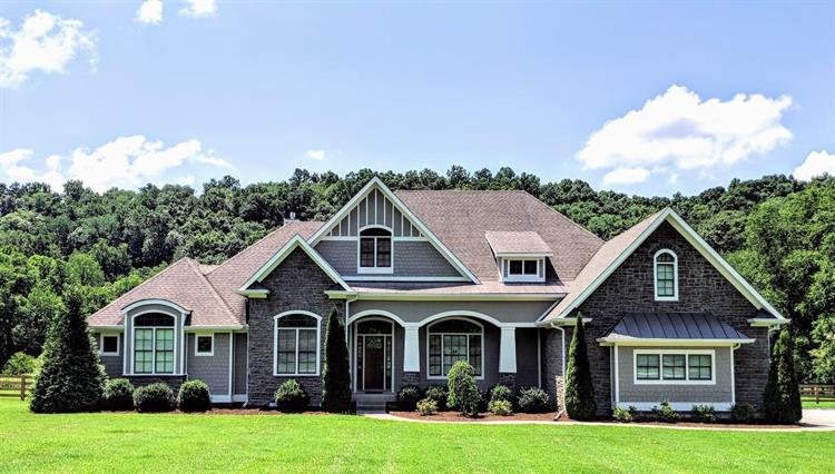 6558 Leipers Creek Rd, Columbia, TN 38401