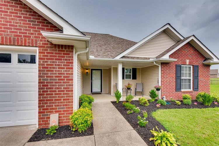 109 Bassett Hall Ct, Lebanon, TN 37087