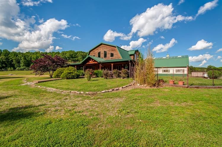 1653 Blue Buck Creek Rd, Duck River, TN 38454