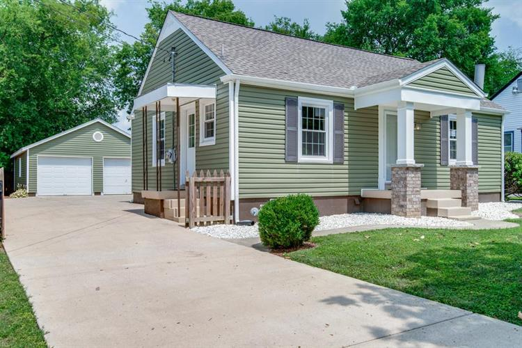 422 West Bend Dr, Nashville, TN 37209