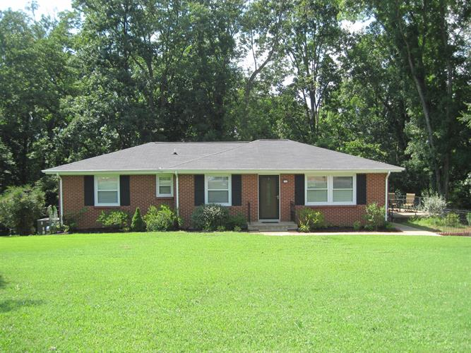 564 Chesterfield Dr, Clarksville, TN 37043
