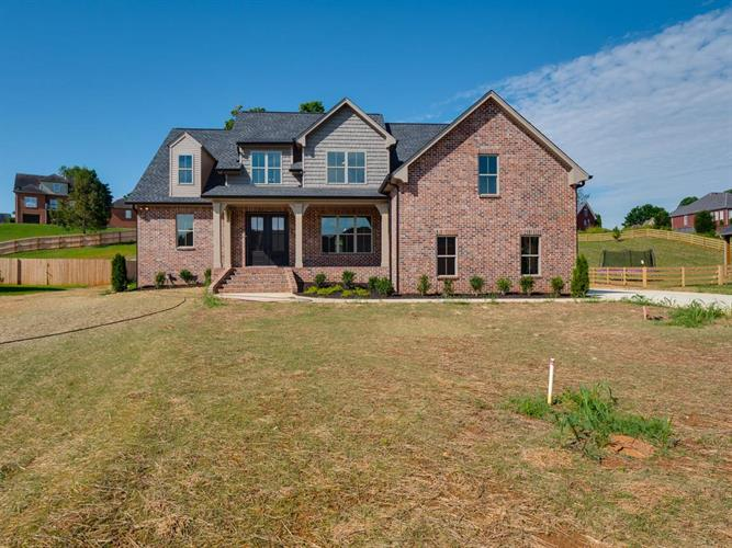 4058 Oak Pointe Dr, Pleasant View, TN 37146