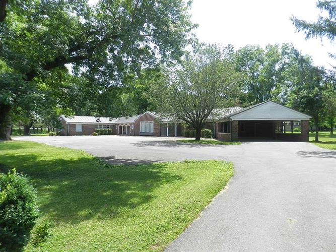 603 S Murray St, Gainesboro, TN 38562