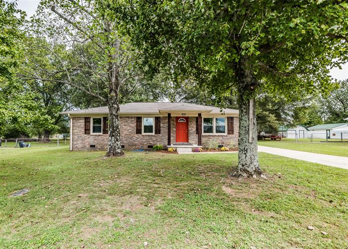 72 Childress Rd, Fayetteville, TN 37334 - Image 1
