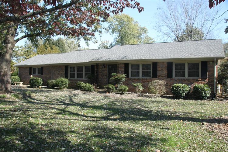 221 Hillcrest Dr, Tullahoma, TN 37388 - Image 1